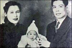 Брюс Ли с родителями