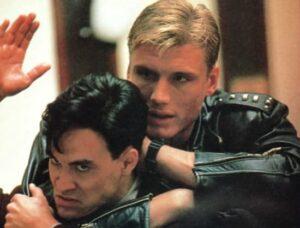 Брендон Ли и Дольф Лундгрен в боевике «Разборка в Маленьком Токио»